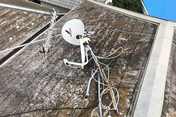 台風で倒壊したアンテナ